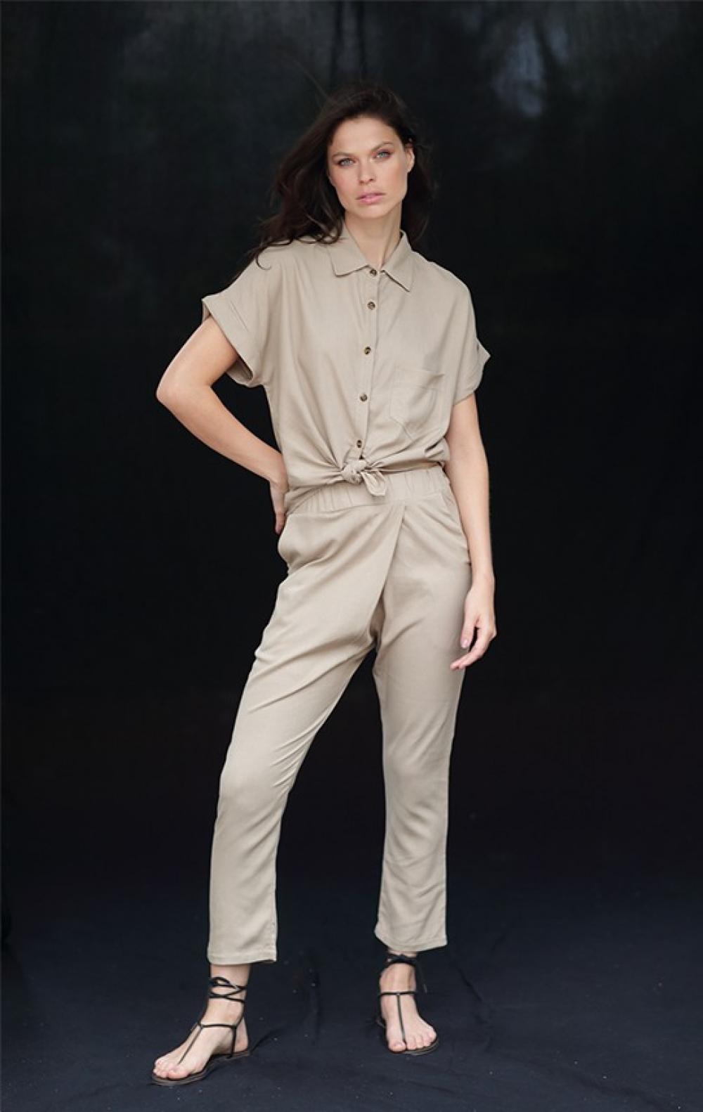 Camisa Tati Sandalo Caqui  - Foto 1