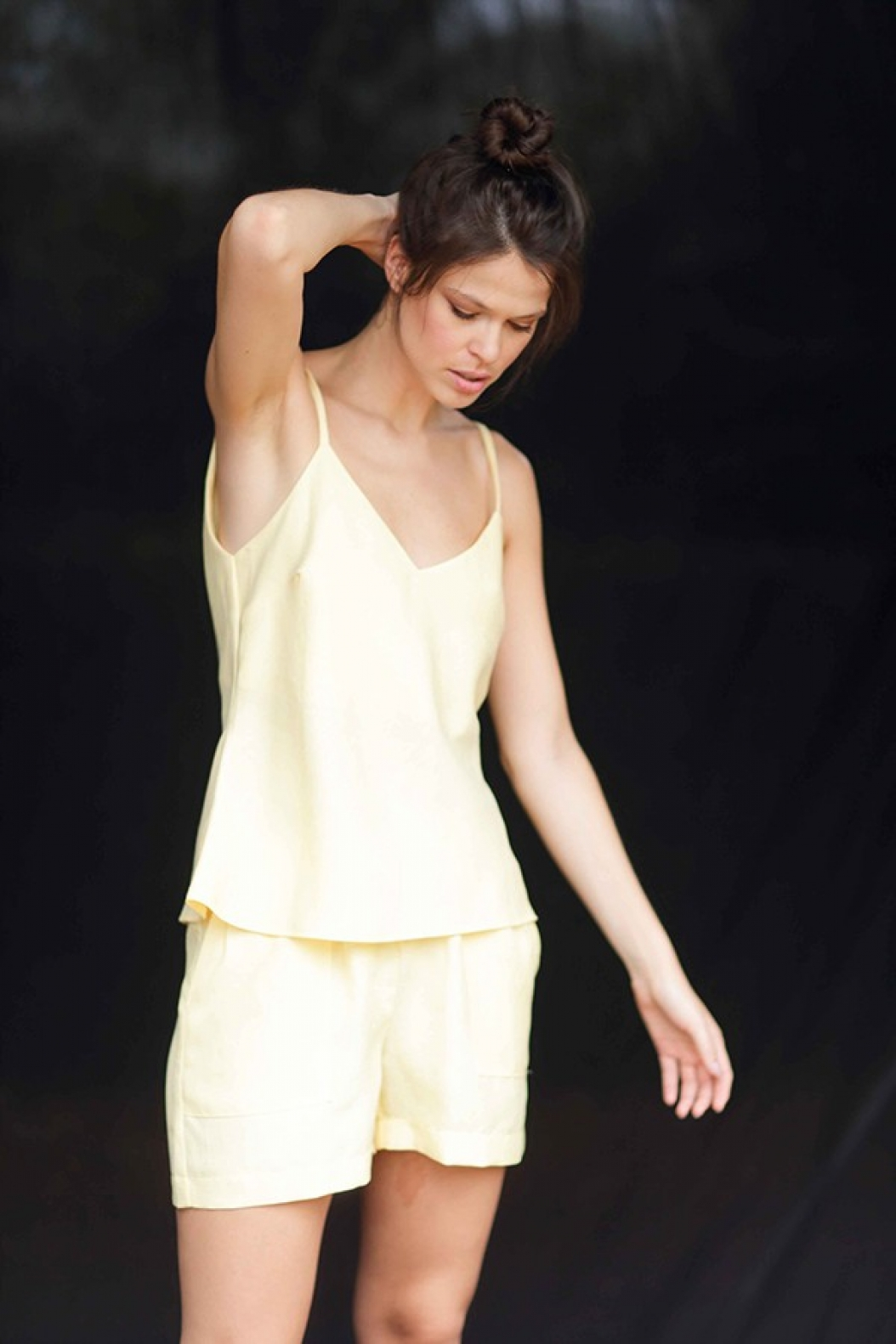 Conjunto Linho Shorts+ Regata Amarelo - Foto 1