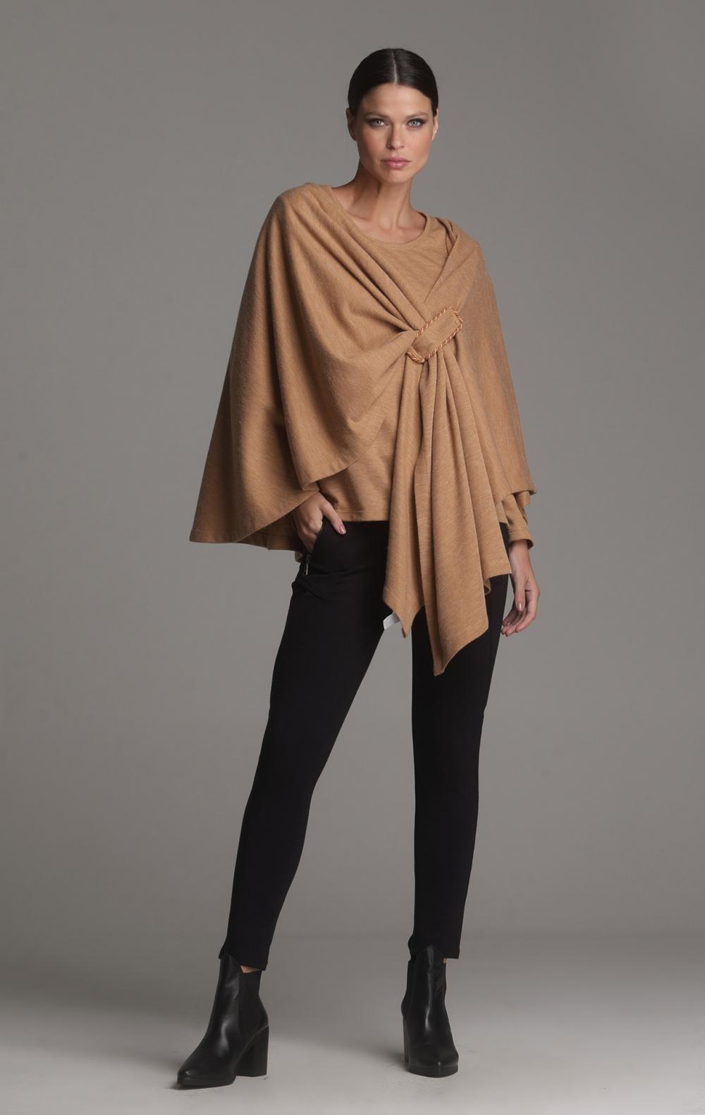 Poncho + Blusa Crepe de Lã Camelo - Foto 1