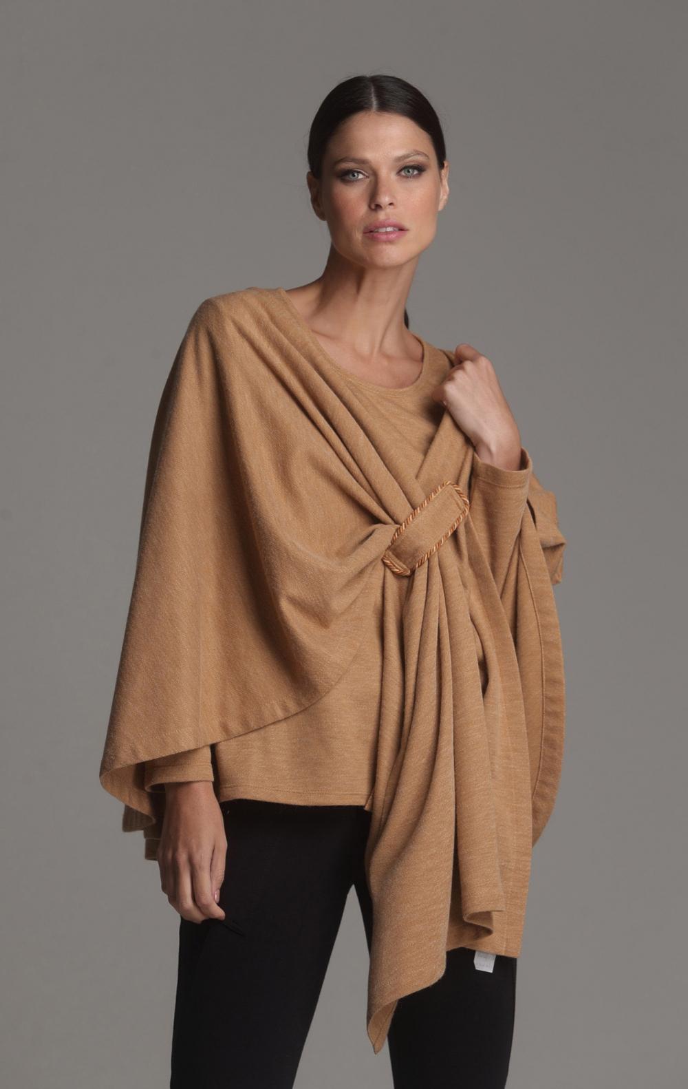 Poncho + Blusa Crepe de Lã Camelo - Foto 2