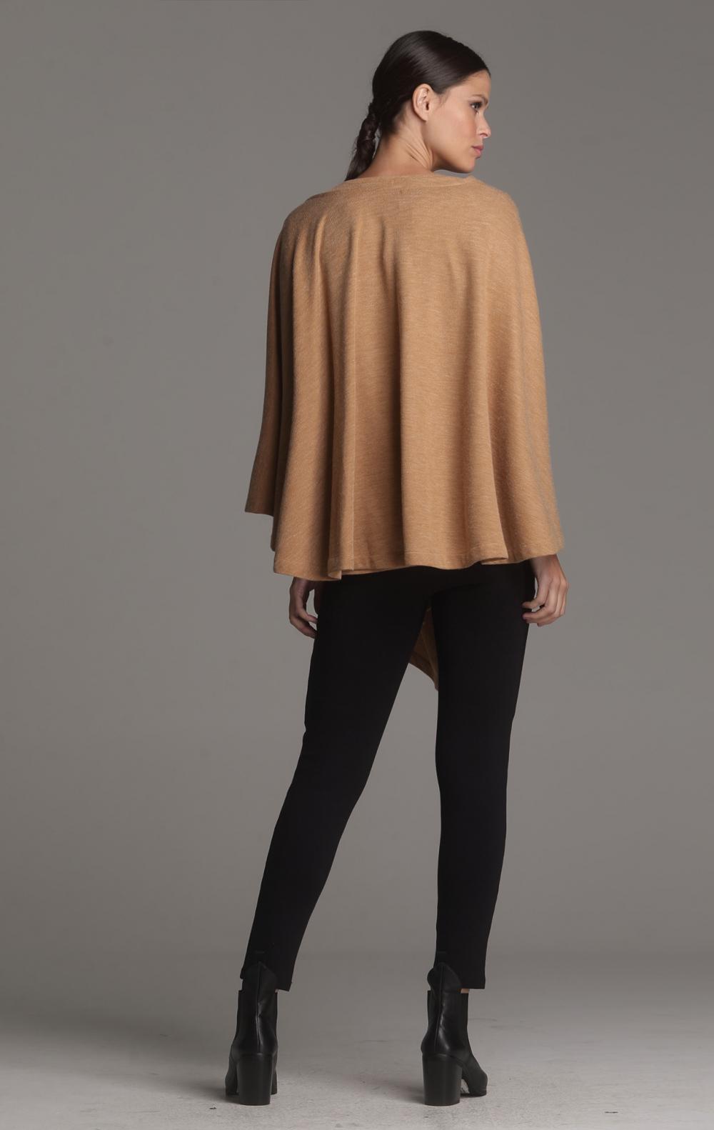 Poncho + Blusa Crepe de Lã Camelo - Foto 3