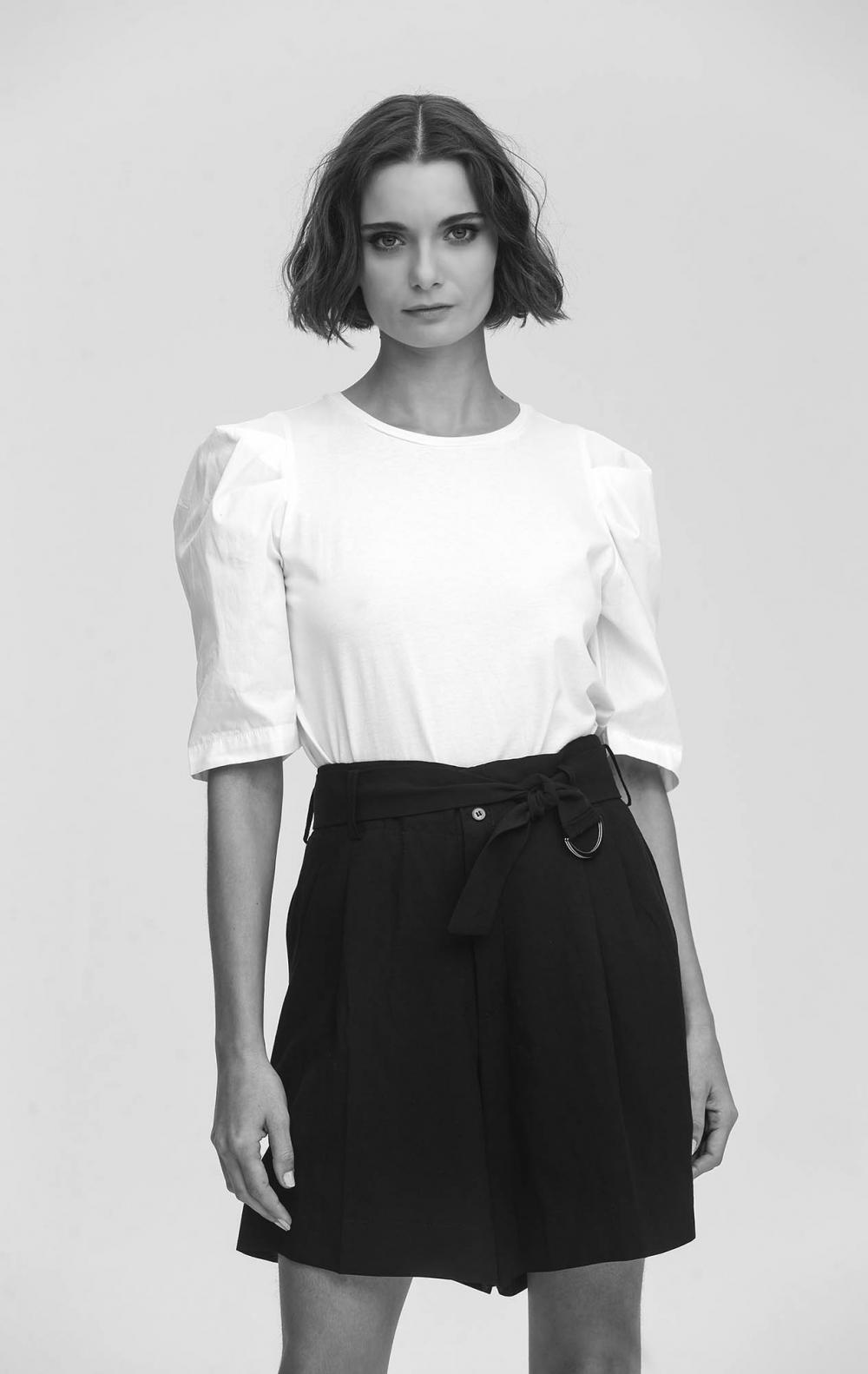 T-Shirt Algodão Branca  - Foto 1