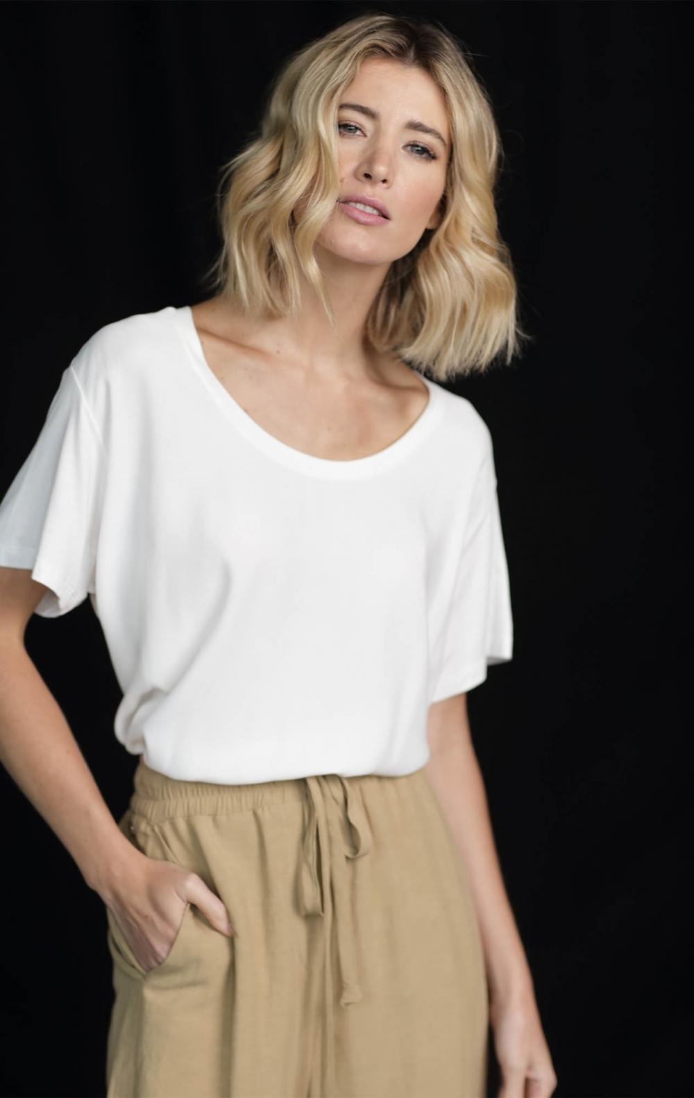 T- Shirt Frente Cetim /Costas Malha Off White   - Foto 1