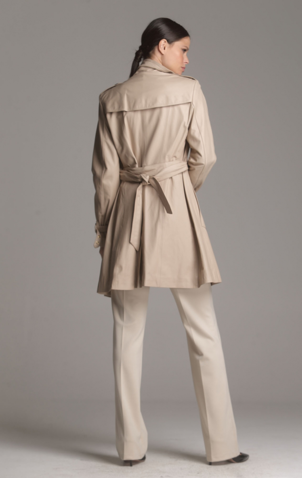 Trench Coat Couro Bege - Foto 2