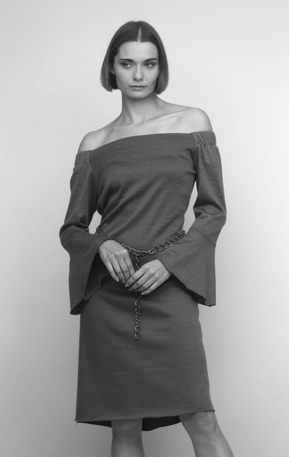 Vestido Cinza Ombro a Ombro Malha - Foto 1