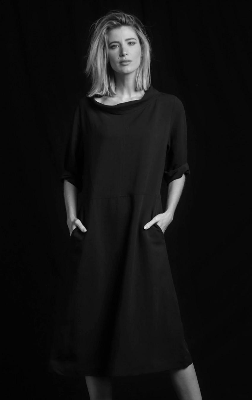 Vestido Linho Gola Boba Preto  - Foto 1