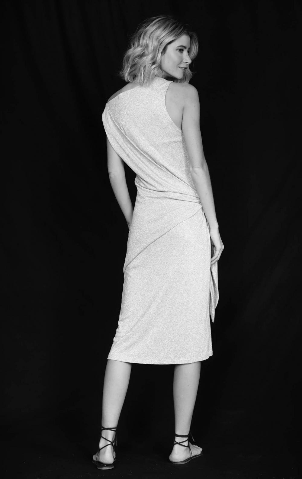Vestido Malha Lurex Cinza  - Foto 2