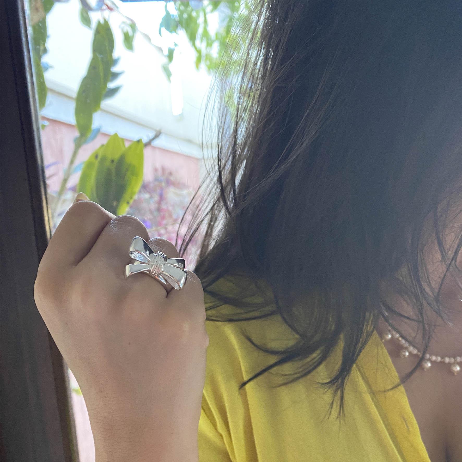 anel laço banhado a prata