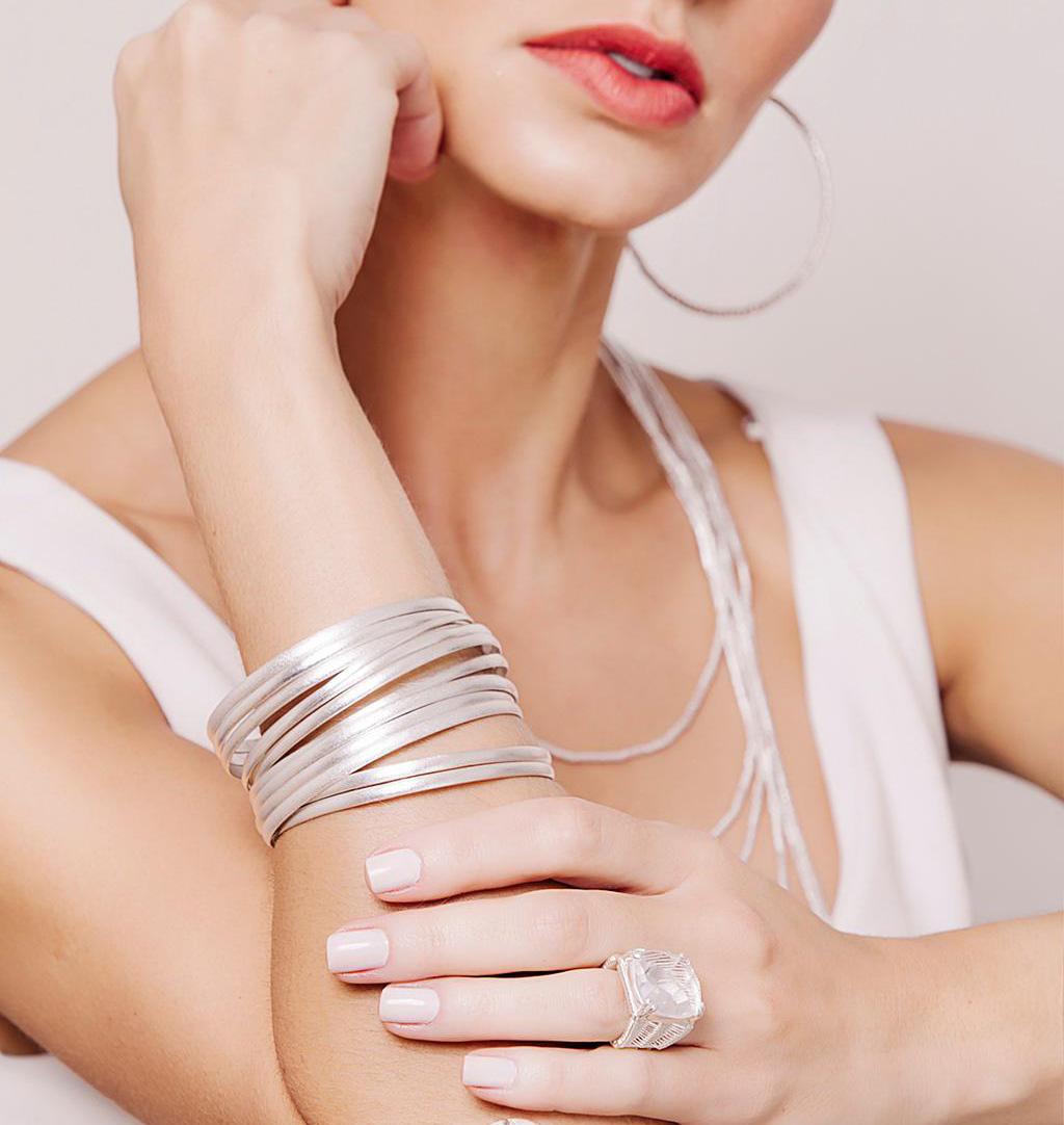 Bracelete algema escovado banhado a prata 1000