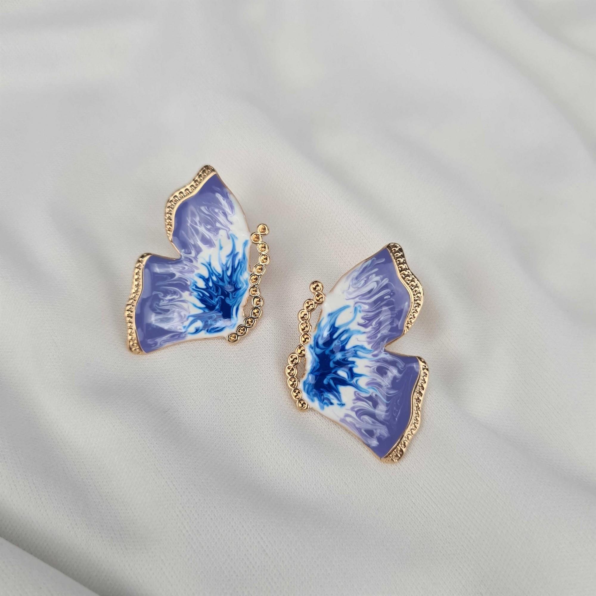 Brinco borboleta esmaltada banhado a ouro 18k