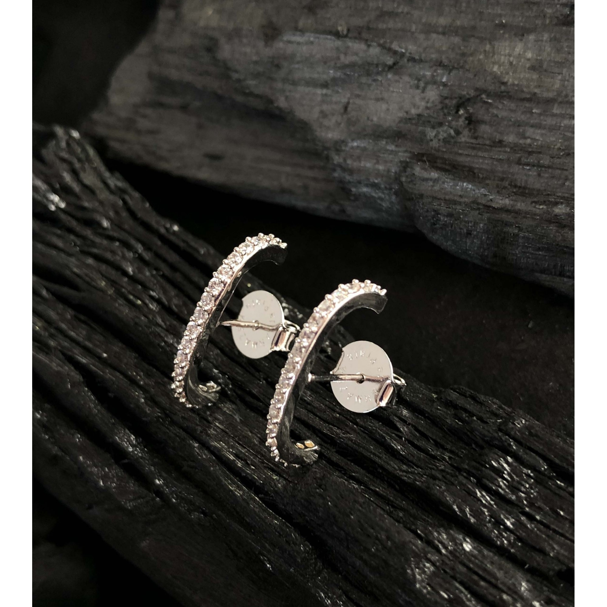 Brinco Ear Hook banhado a ouro 18k e ródio branco