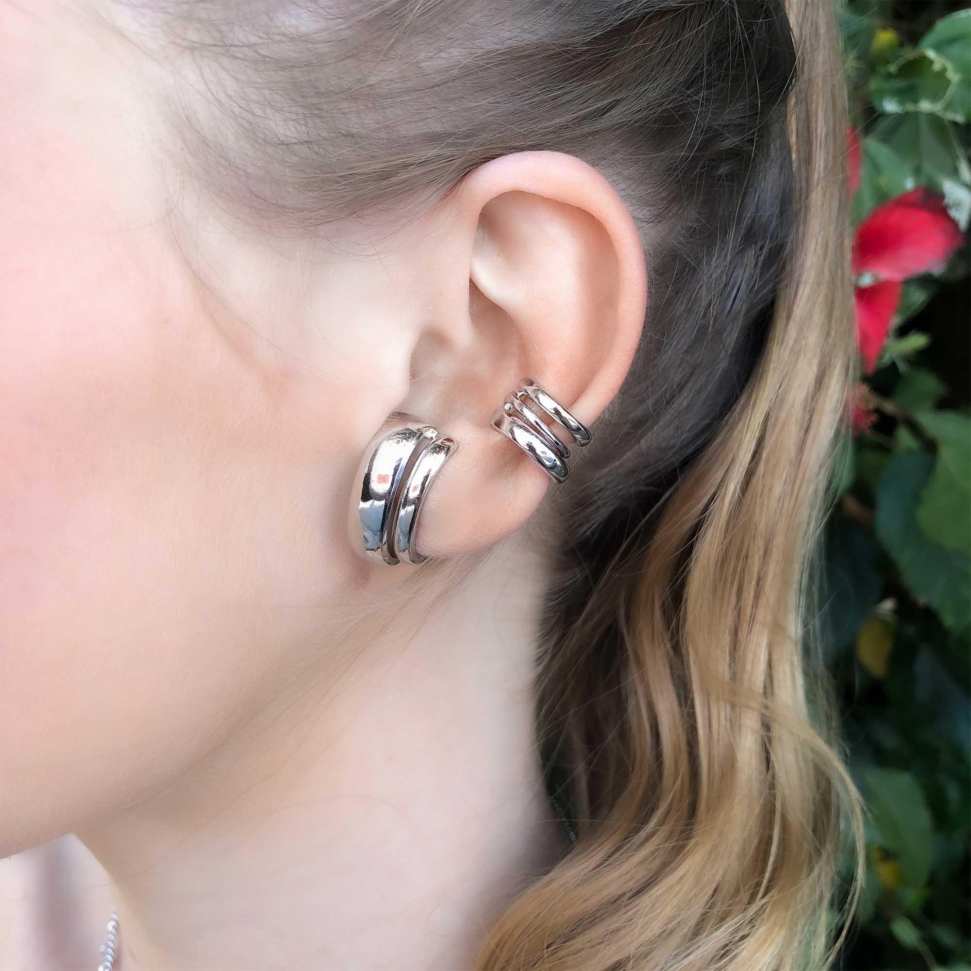 Brinco Ear Hook polido duplo banhado a ouro 18k e ródio branco