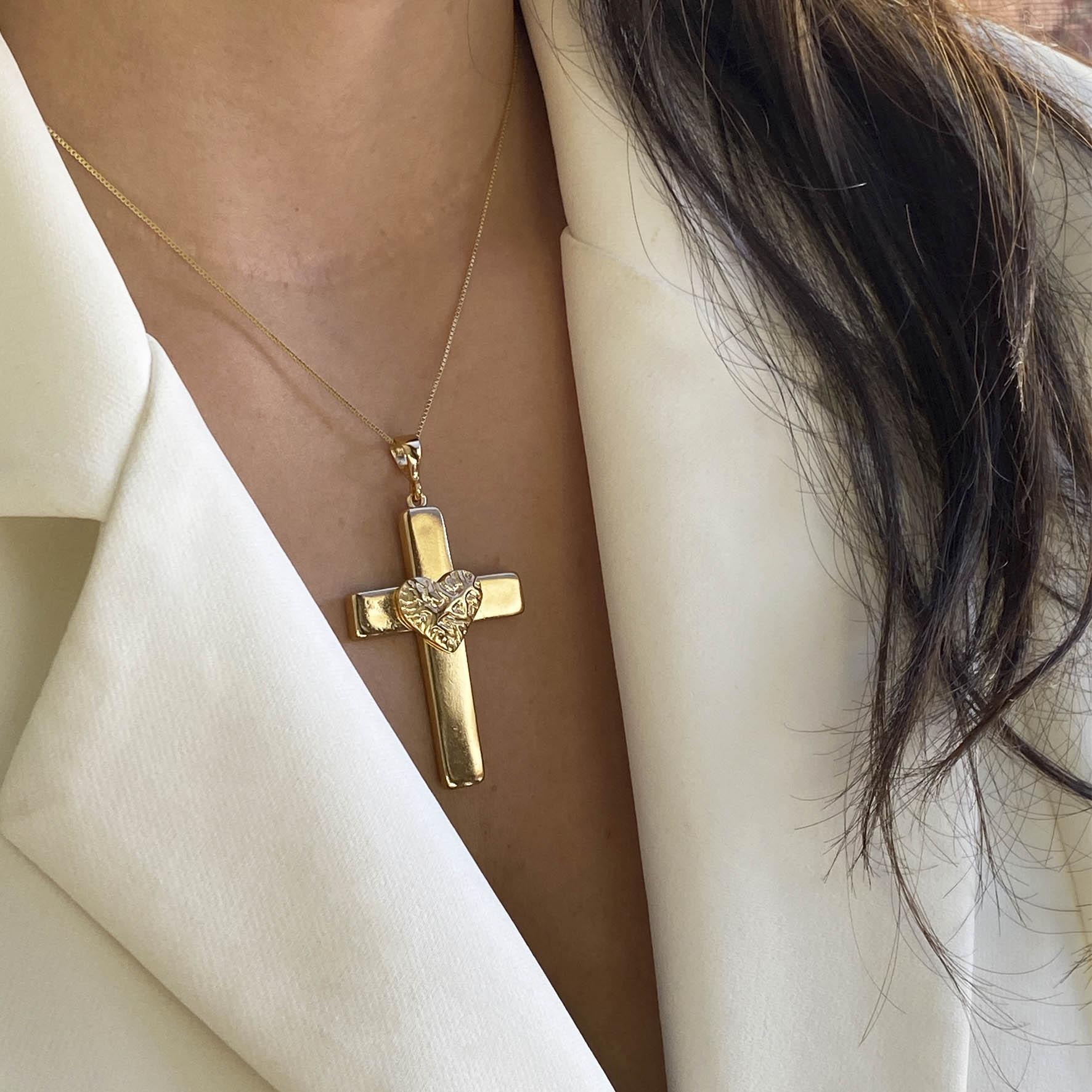 Colar crucifixo coração banhado a ouro 18k