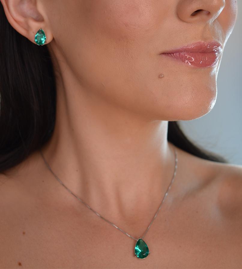 Conjunto cristal verde  banhado a ouro 18k e ródio branco
