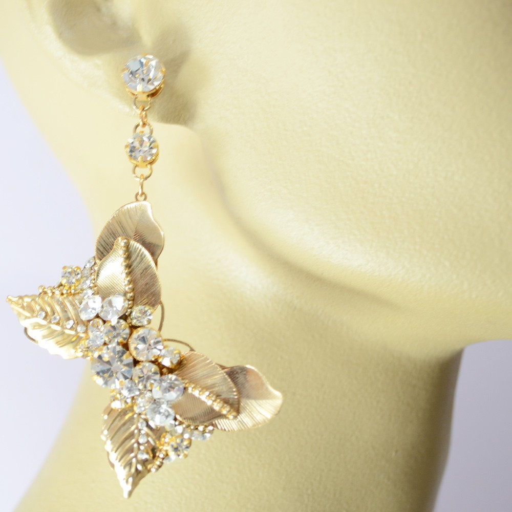 Brinco borboleta com strass banhado no ouro Iza Perobelli