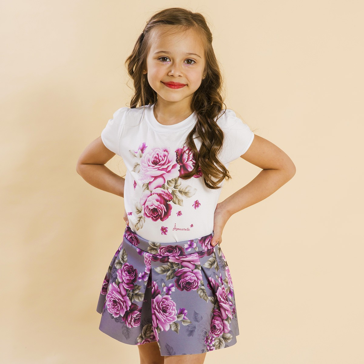 Conjunto Infantil Shorts Malha e Blusa Rosas Cinza