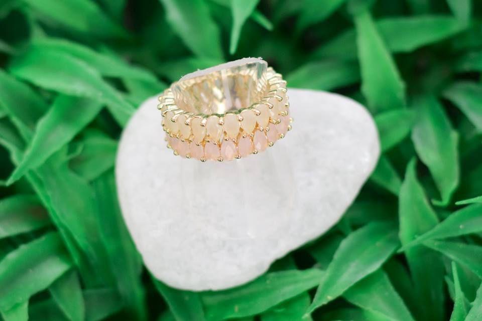 Anel Innovation Quartzo Rosa e Cristal Leitoso - Ouro