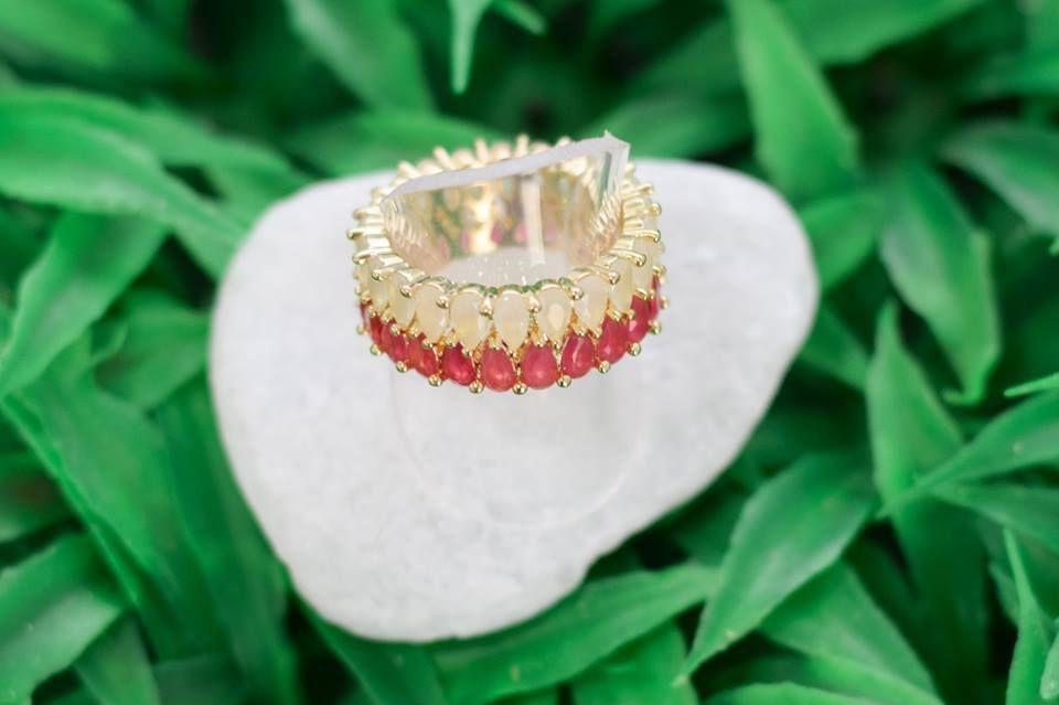 Anel Innovation Rubi e Cristal Leitoso - Ouro