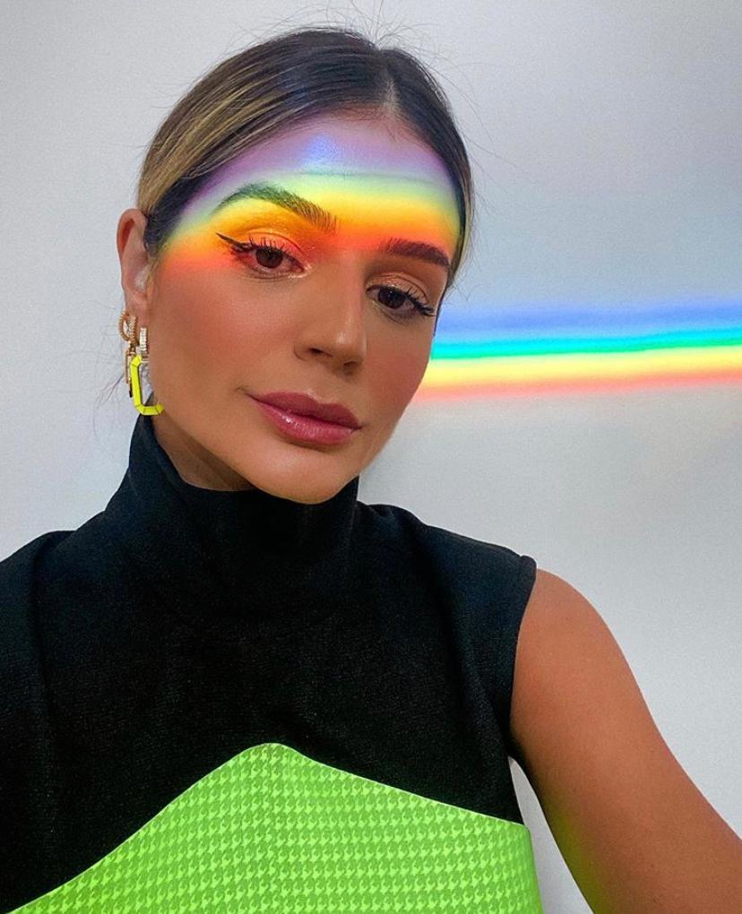 Argola Thassia: Argola  Colorida - Amarelo
