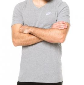 Camisa Nike Sportswear Club Tee-V Neck