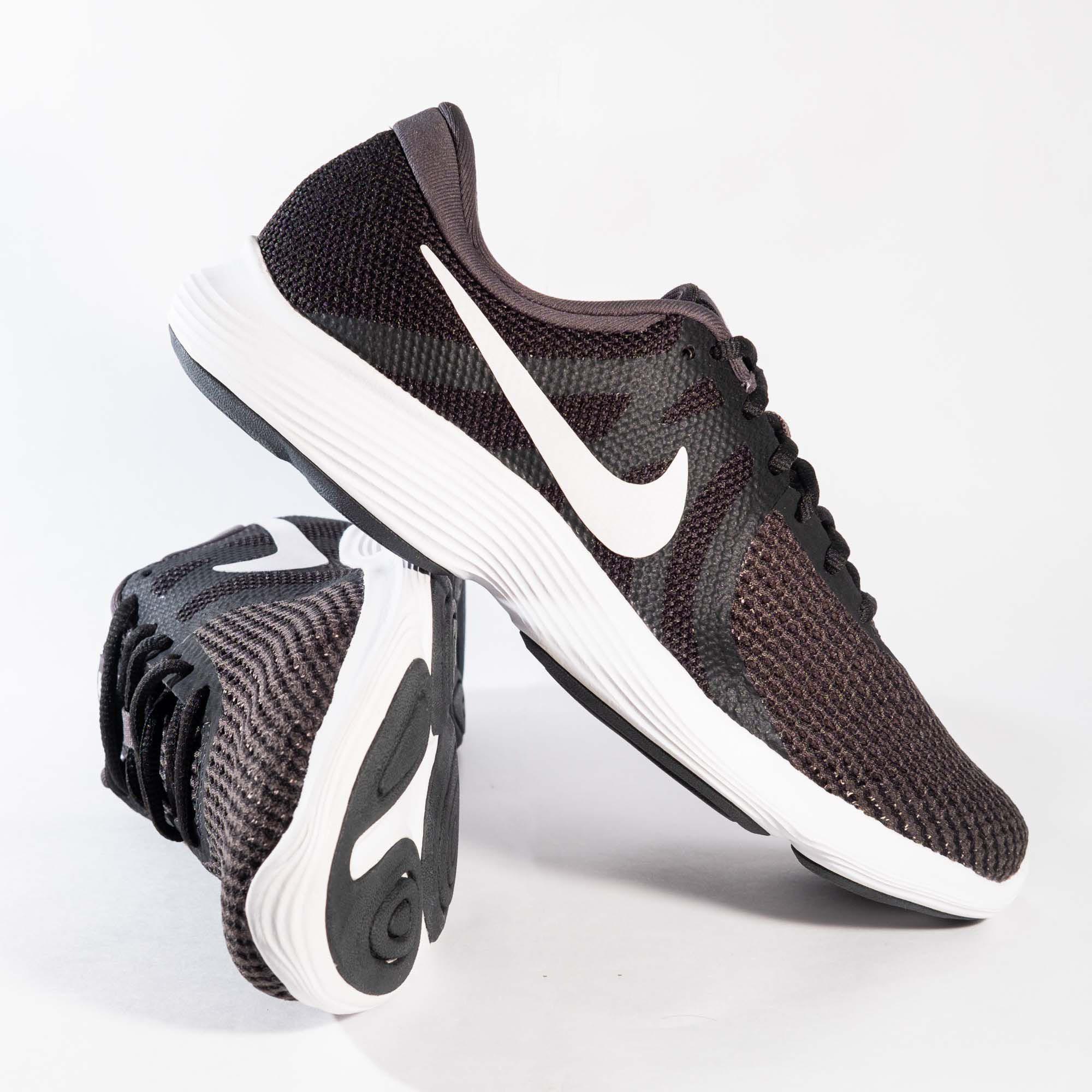 Tênis Nike Revolution 4