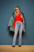 Calça Jeans Feminina Flare Azul Claro Cintura Alta com Botões