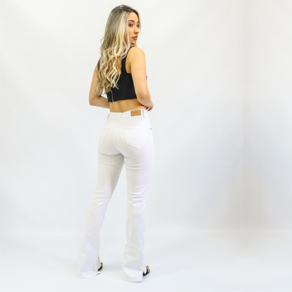 Calça Feminina Microflare Branca Impermeável (Elastano)