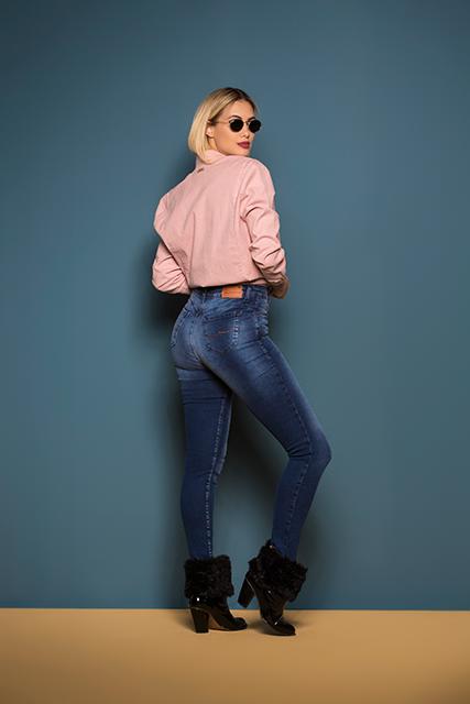 Calça Jeans Feminina de Cintura Alta Azul Médio Básica