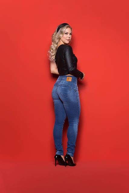 Calça Jeans Feminina Modeladora Cintura Alta Azul Médio Básica