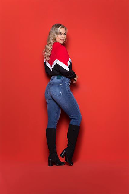 Calça Jeans Feminina Mom Azul Médio Básica