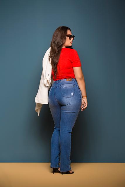Calça Jeans Feminina Plus Azul Médio Básica