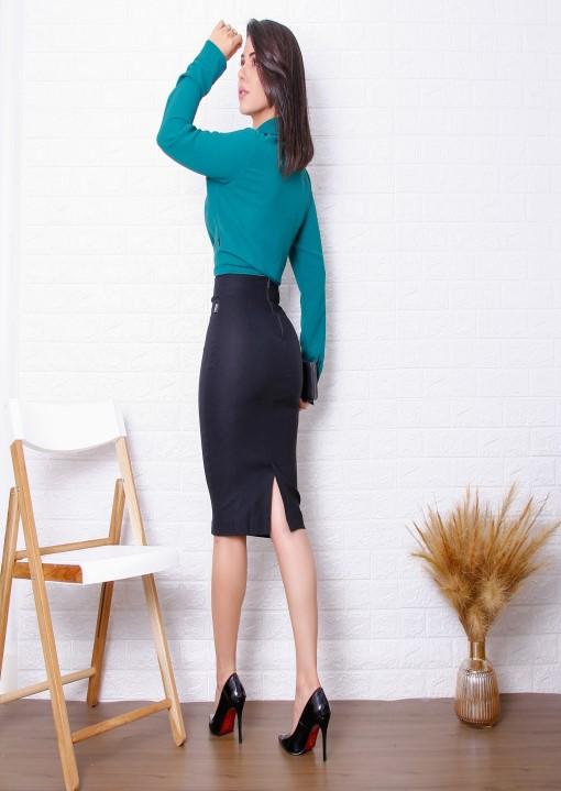 Saia Lápis Bengaline com cós invisível, fechamento zíper e fenda traseiro