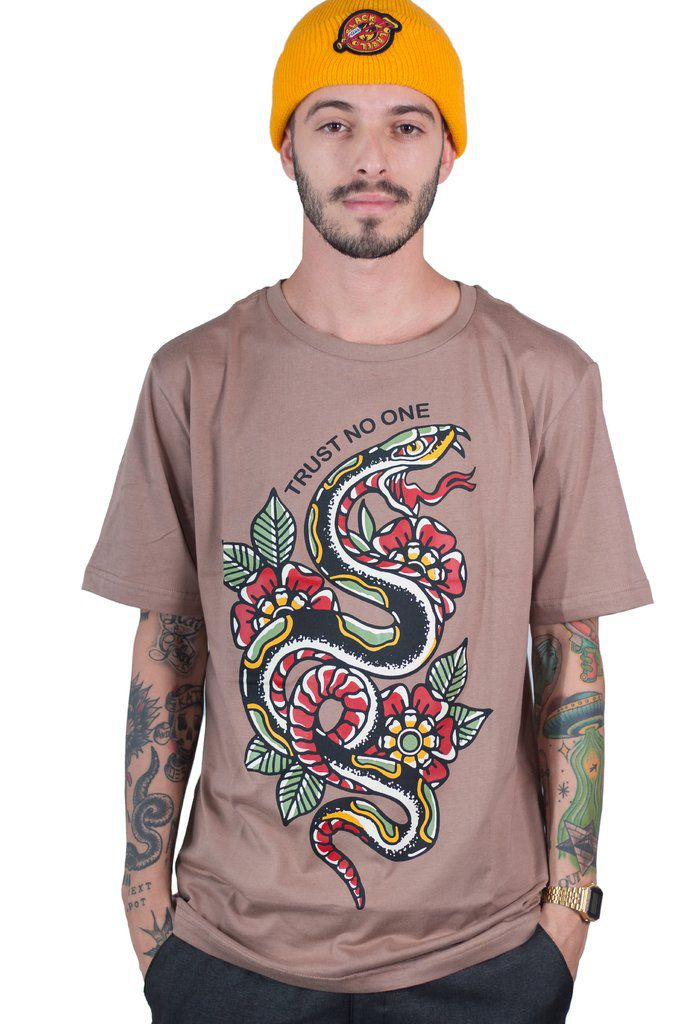 Camiseta New Custom Snake