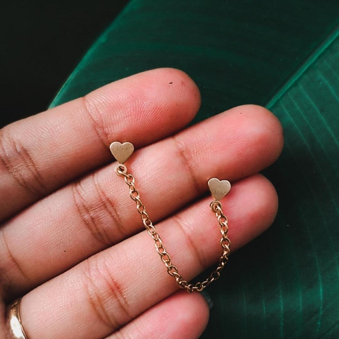 Piercing Coração com Chain