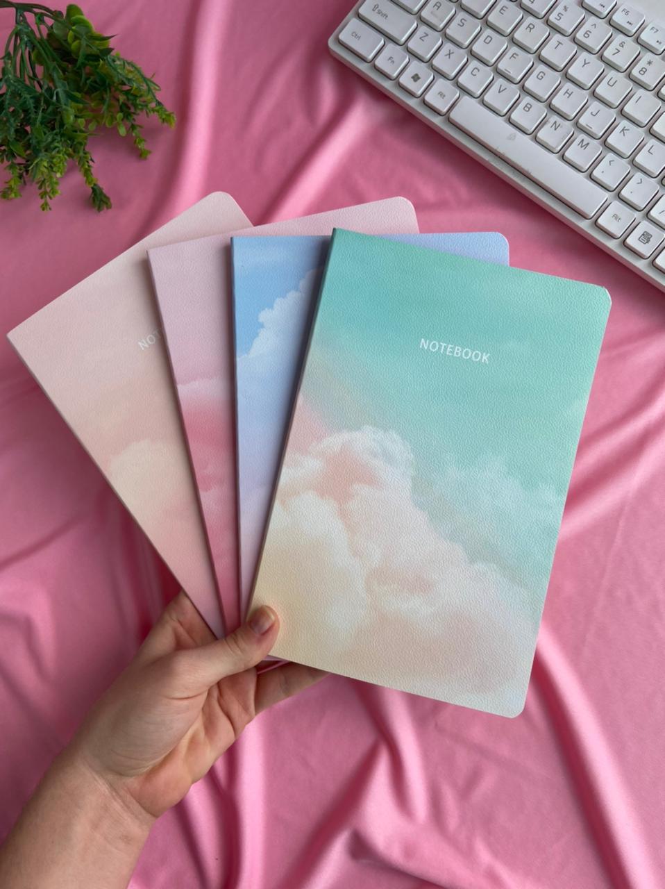 Caderneta A5 Grampeada Pautada Nuvem | Importado