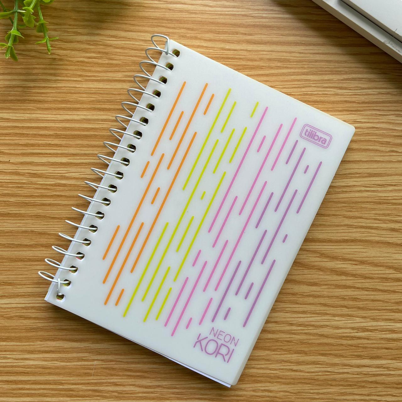 Caderneta Kori Folhas Coloridas Espiral Capa Plastica 1/8 sem Pauta Neon Kori 80 FL | Tilibra