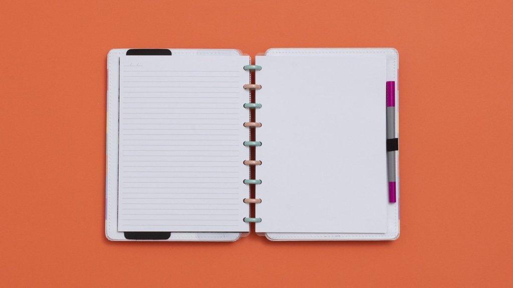Caderno Inteligente Arco-íris Médio 19cm x 25,5cm   Caderno Inteligente