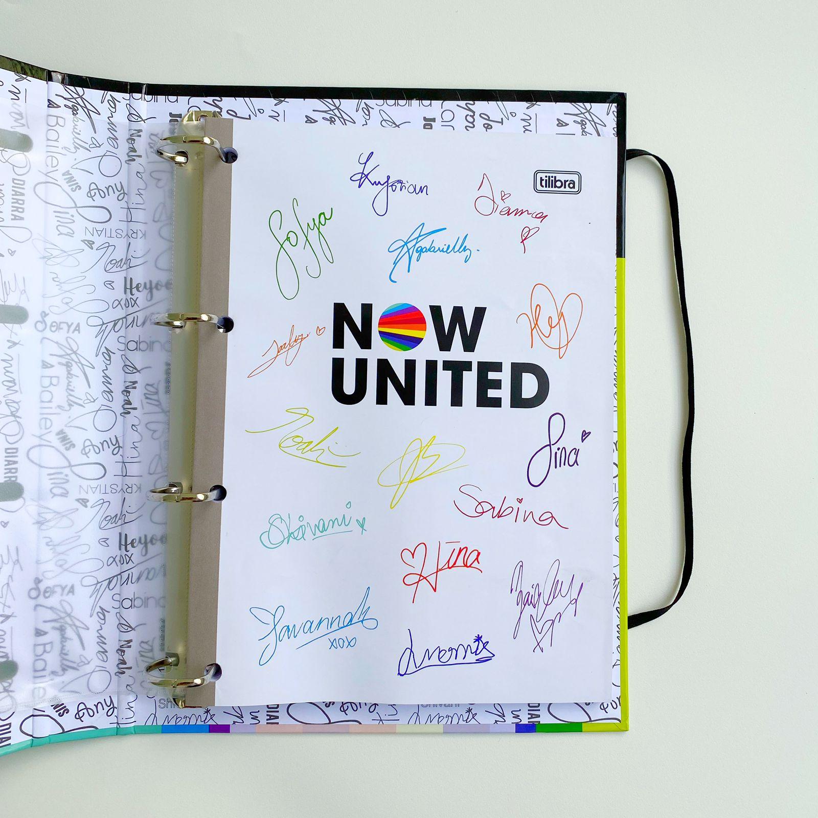 Fichário Cartonado Universitário com Elástico e refil de 80 folhas internas Now United 80 Folhas   Tilibra