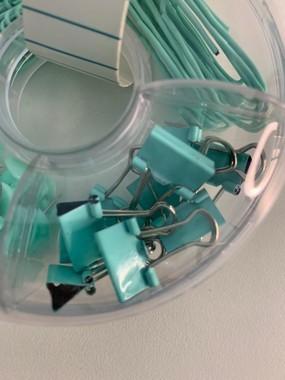 Kit Office 4 em 1 Clips grande e pequeno, Prendedor Binder e Alfinete com cabeça Verde Água | Bee Unique