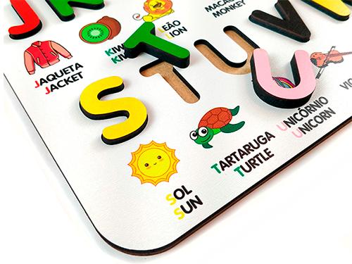 Brinquedo Educativo Pedagógico Alfabeto BILÍNGUE Ilustrado em MDF  - Elefante Colorido Brinquedos Educativos