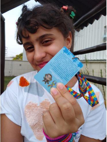Kit Cordão Identificação de Autismo e Crachá