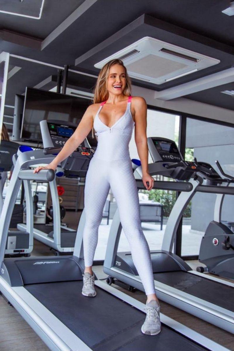 Macacão Fitness Branco e Rosa