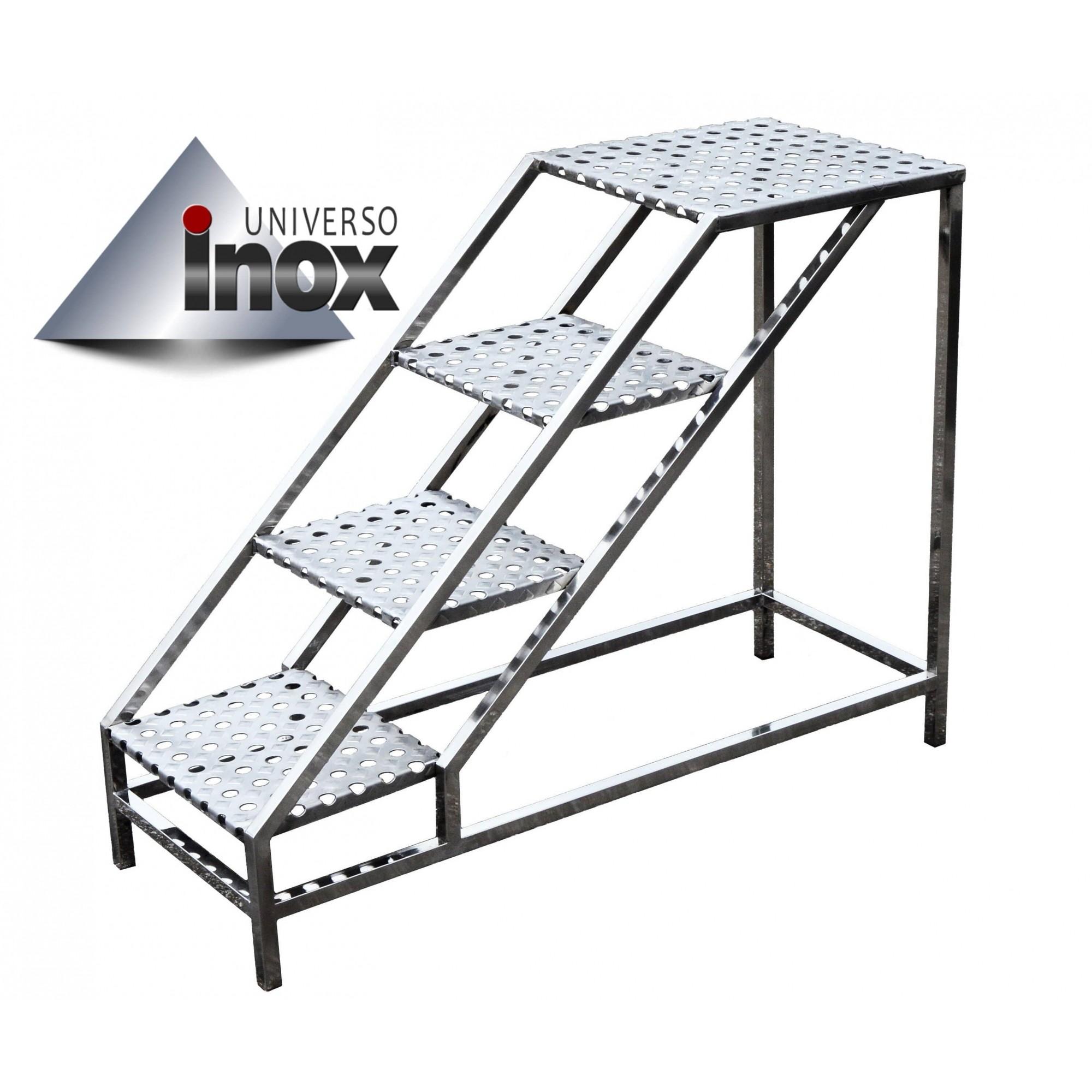 Escada plataforma confeccionada em aço inox