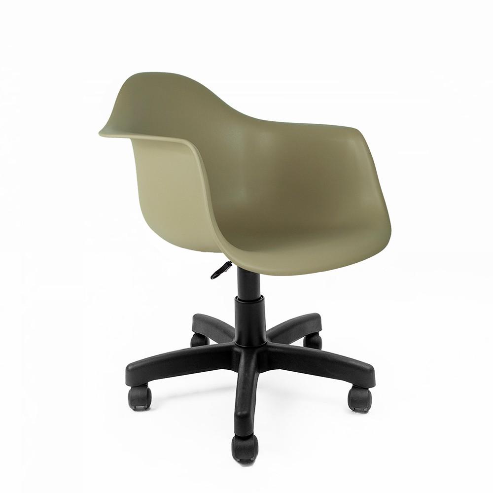 Cadeira Eames com Braços Fendi - Base Office Preta