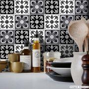 Adesivo Destacável Azulejo para Cozinha Tortosa Preto e Branco