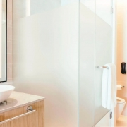 Adesivo Para Vidro Box Banheiro Jateado Perolizado 1,22m Prova D'Agua