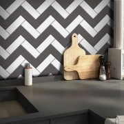 Promoção  - Papel de Parede Azulejo para Cozinha Chevron Grafite - Kit  com 2 rolos