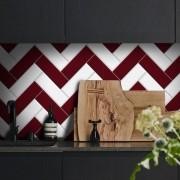 Black November - Papel de Parede Azulejo para Cozinha Chevron Vermelho