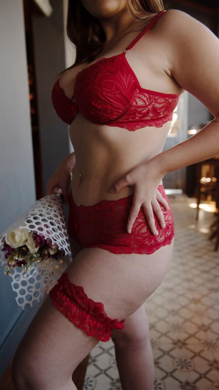 Conjunto de lingerie para a noite com acessórios