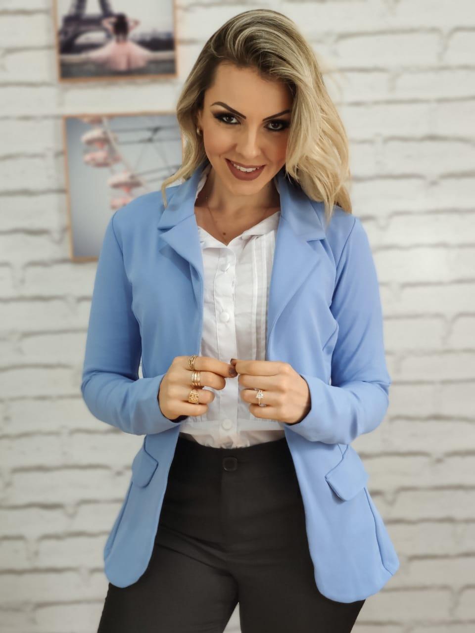 Blazer Feminino Alongado em Poliamida Azul Claro